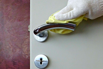 Come pulire le maniglie?