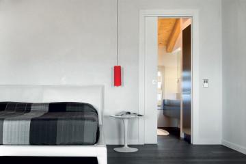 Quali sono i vantaggi del binario estraibile per le porte scorrevoli?